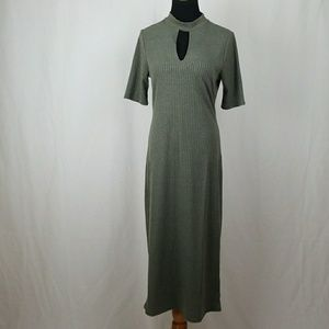 NWT MONTEAU MAXI DRESS